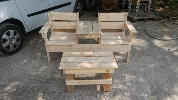 Double Seat Pallet Wood Chair With Table ...