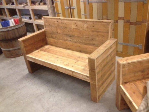 Recycled Pallet Wood Bench Pallet Furniture Projects