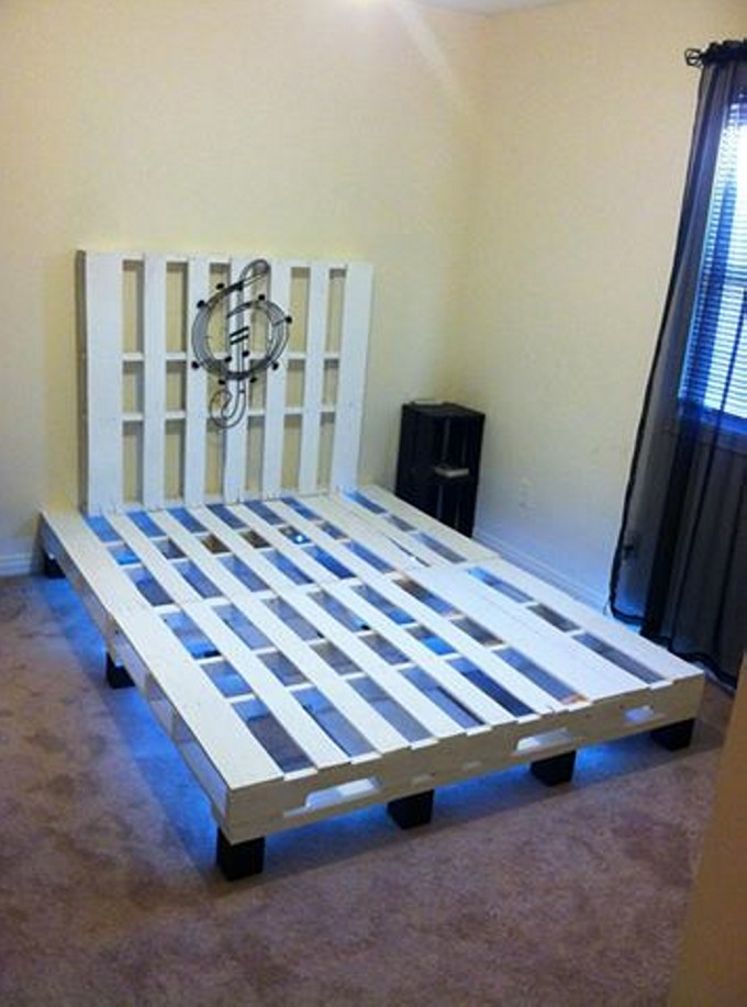 Pallet bed with lights underneath pallet furniture projects for Pallet bed frame with lights