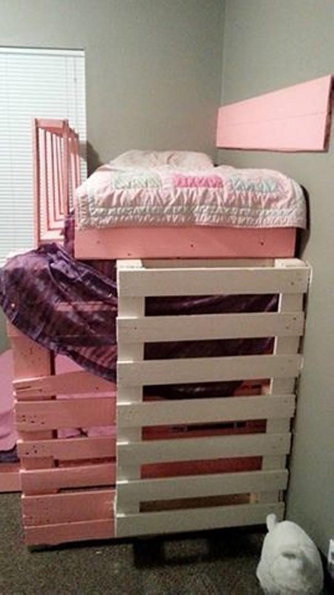Pallet bunk bed furniture pallet furniture projects for Diy pallet loft bed plans