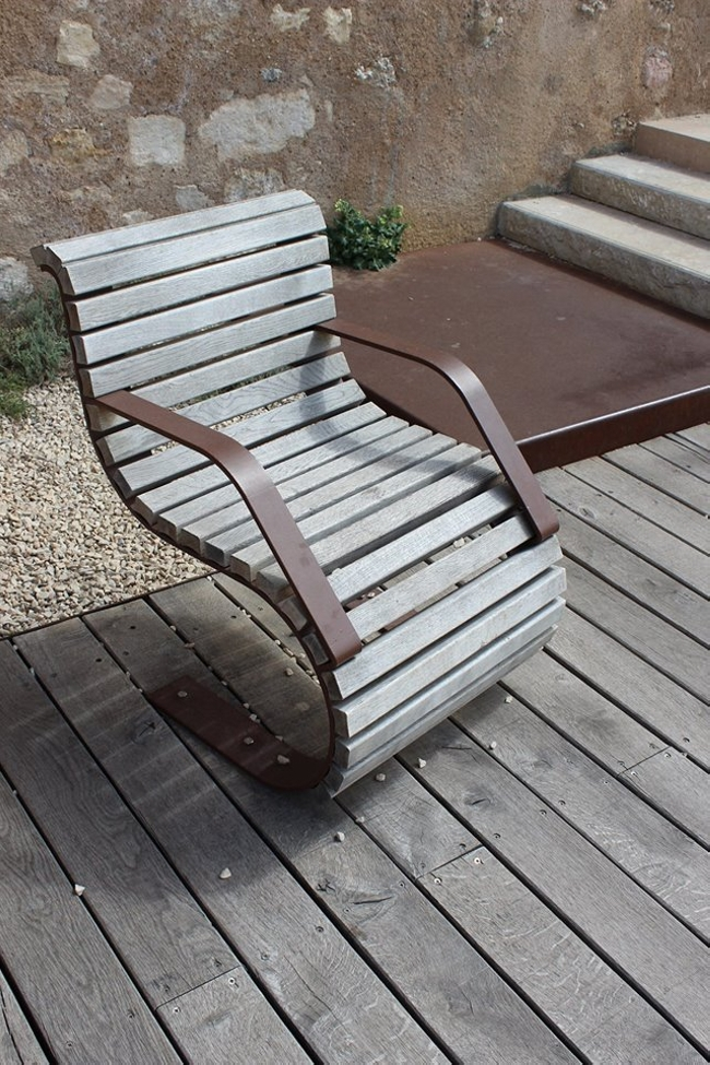 Unique pallet outdoor furniture pallet furniture projects for Cool outdoor patio furniture