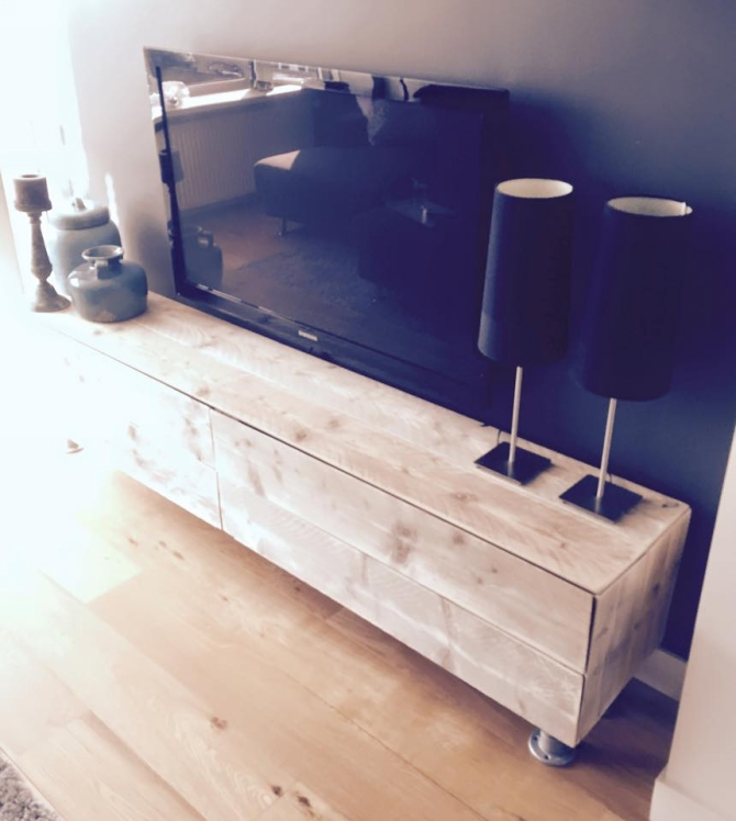 Pallet Made TV Stand Pallet Furniture Projects