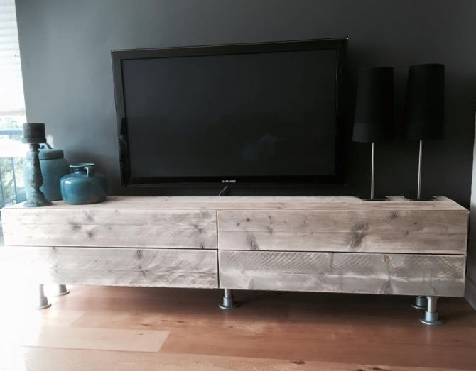 Pallet Made TV Stand Furniture Projects
