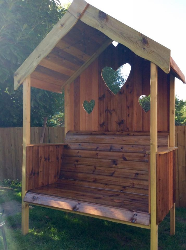 Pallet Wooden Garden Gazebo Bench | Pallet Furniture Projects.