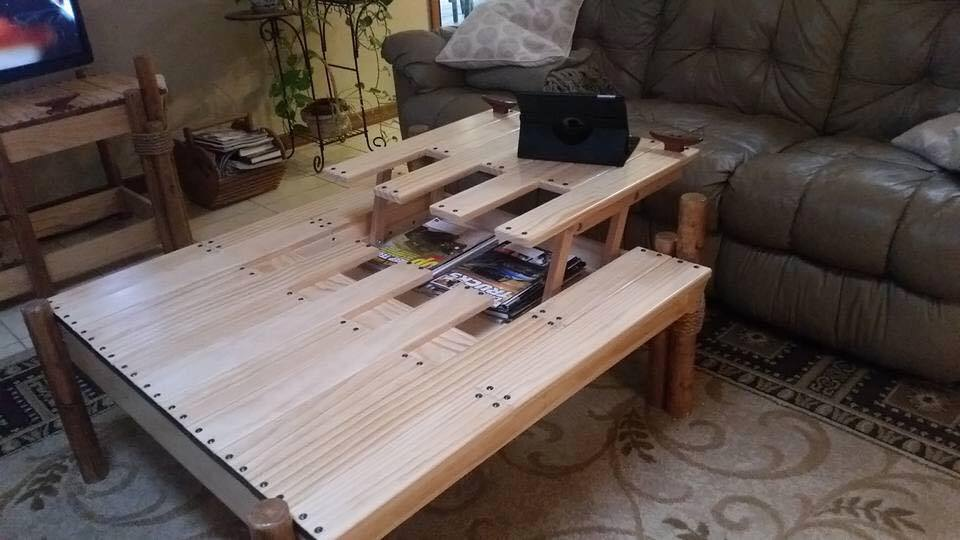 Unique Pallet Table Idea | Pallet Furniture Projects.