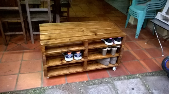Pallet shoe storage pallet furniture projects for Storage box made from pallets