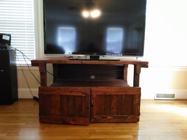 Pallet Tv Stand Stained With English Chestnut Pallet