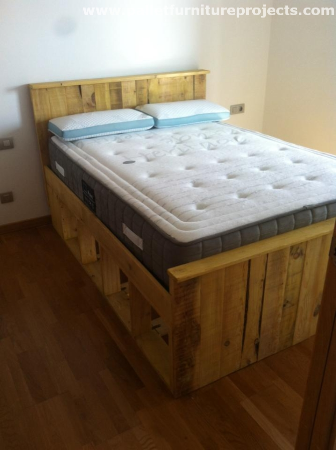Wooden pallets made large bed pallet furniture projects for Bed made of pallets