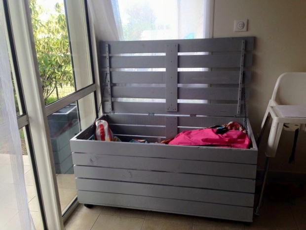 Diy ideas for pallet chest storage boxes pallet for Storage box made from pallets