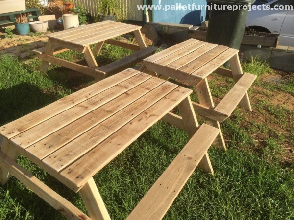 Kids Picnic Table From Pallet Wood