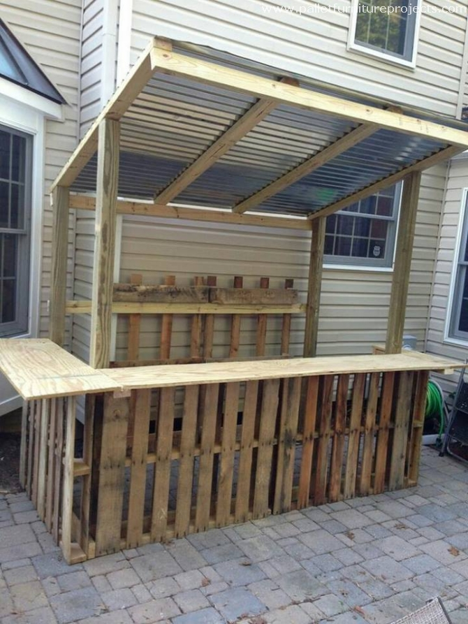 Bars made with wood pallets pallet furniture projects for How to build a beach bar