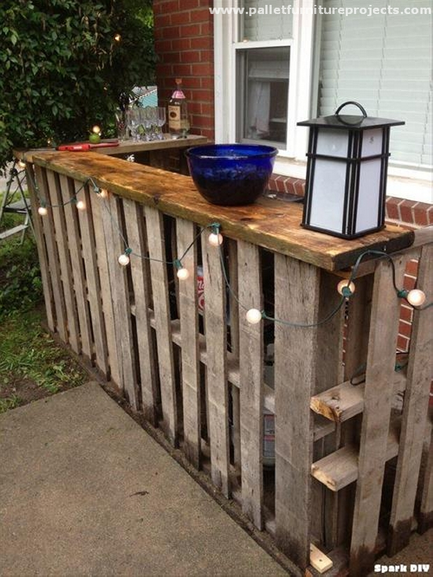 how to build an outdoor bar from pallets