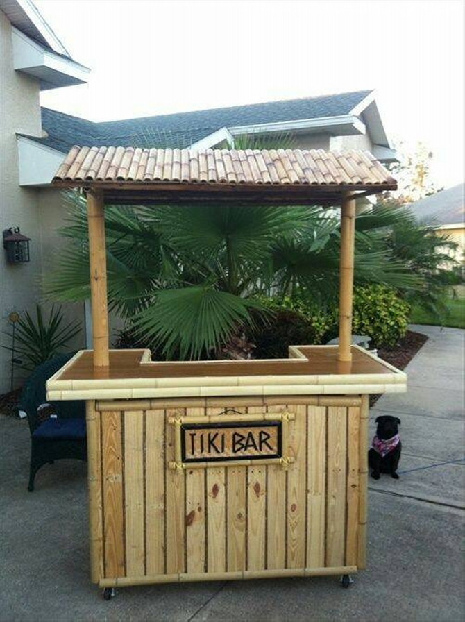 Bars Made with Wood Pallets | Pallet Furniture Projects.