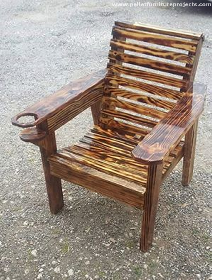 Ideas for recycled pallet furniture pallet furniture for Recycled chair ideas