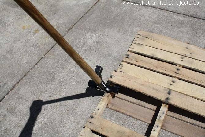 Diy Your Own Pallet Lever Dismantler Pallet Furniture