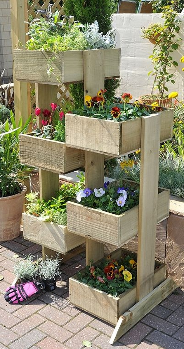 Pallet planter ideas pallet furniture projects for Making planters from pallets