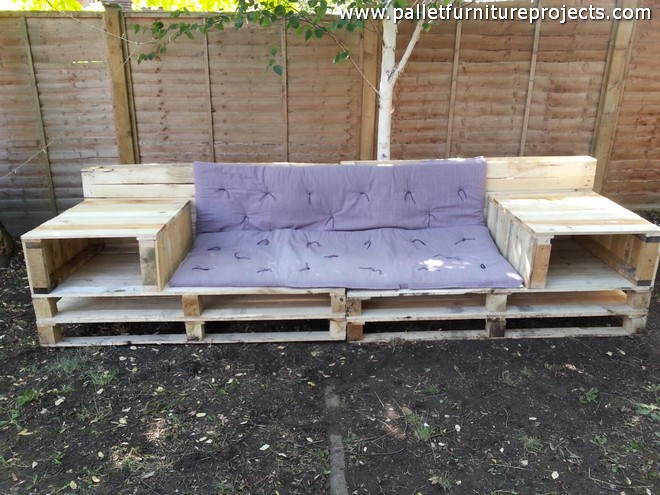 Upcycled pallet garden bench and daybed pallet furniture for Outdoor pallet daybed