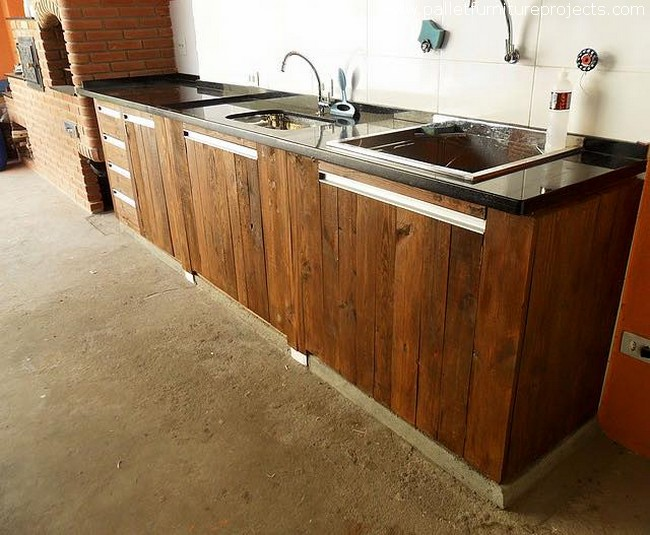recycled pallet kitchen sink