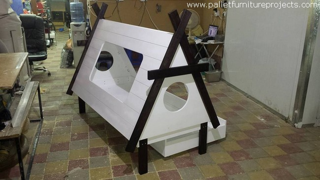 Pallet Teepee Bed