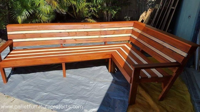 Patio Corner Bench. Upcycled Wooden Pallet Furniture Plans Pallet Furniture
