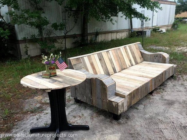 reclaimed wood pallet patio furniture