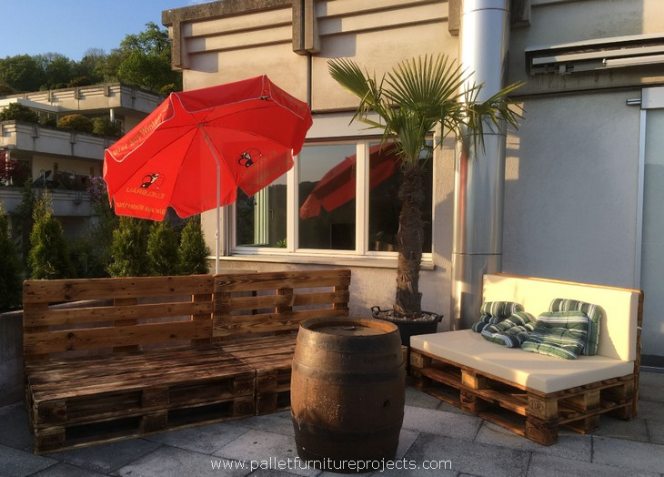 outdoor pallet wood furniture