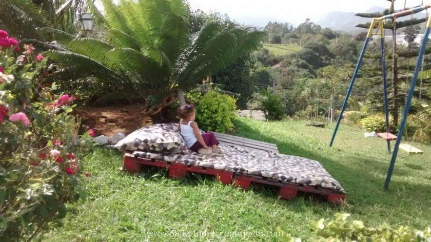 pallet bed for garden