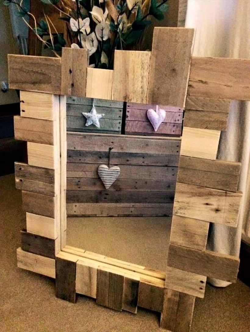Wooden pallet wood recycled pallet furniture projects for What can you make with recycled pallets
