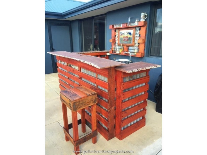 patio pallet bar