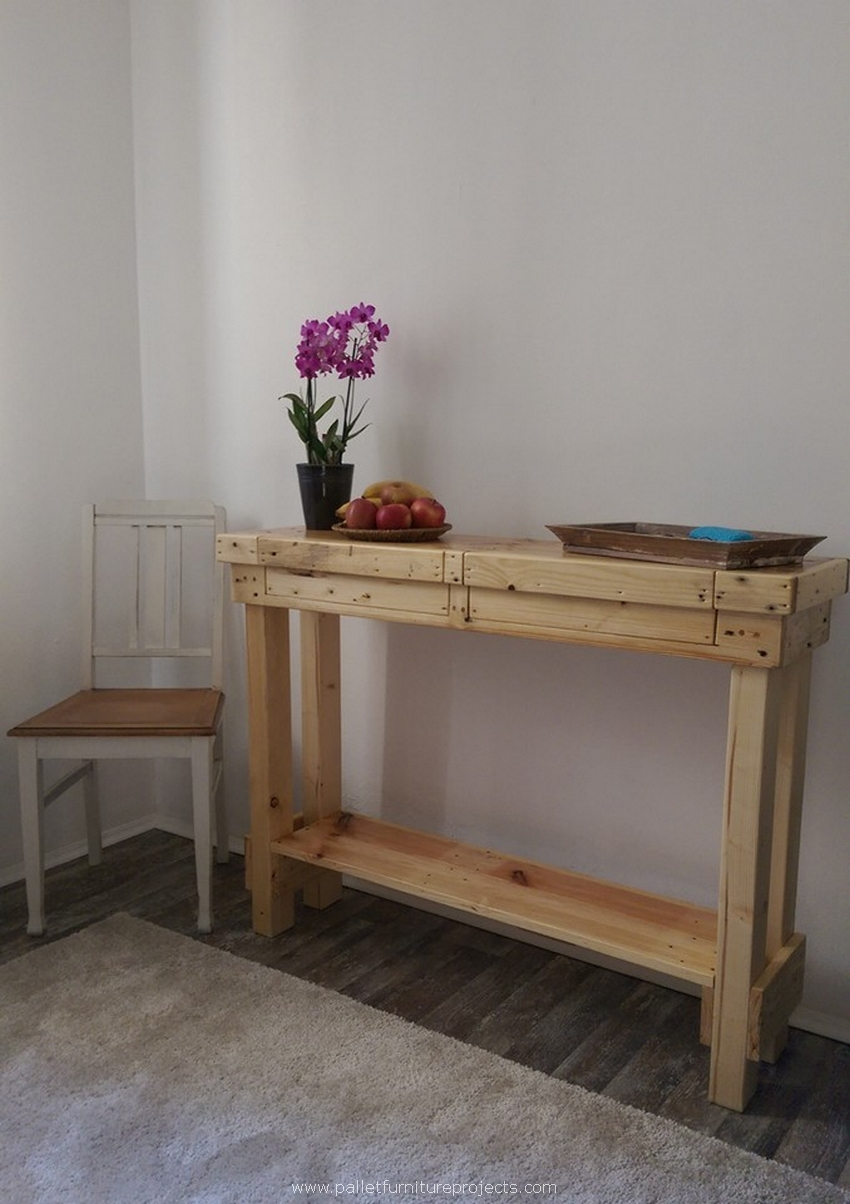 recycled pallet wood side table