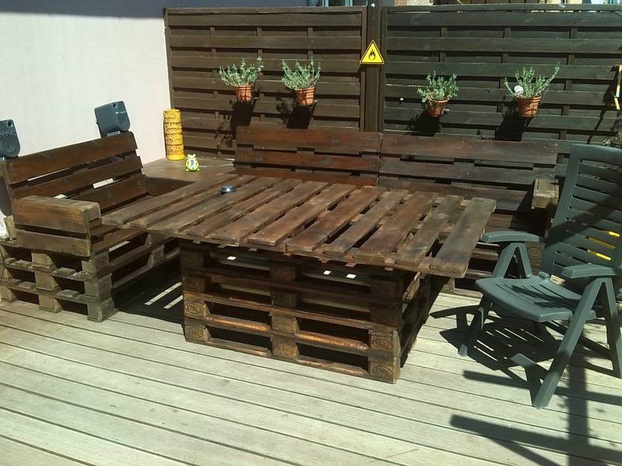 Recycled Pallet Patio Furniture Plan