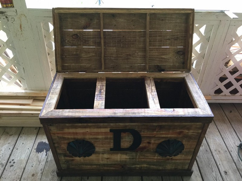 Wooden Pallet 3 Compartment Hamper Pallet Furniture