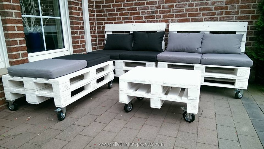 pallet patio furniture on wheels