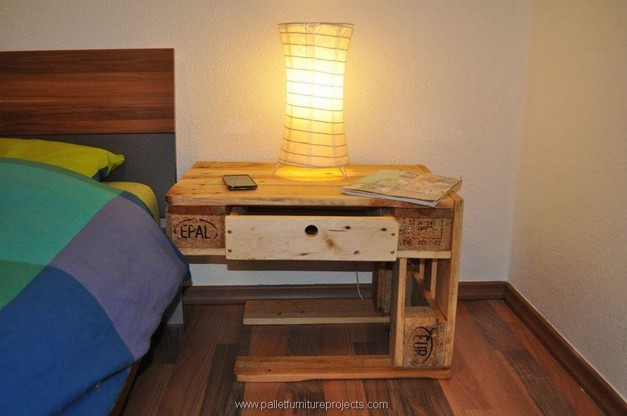 pallet side table idea