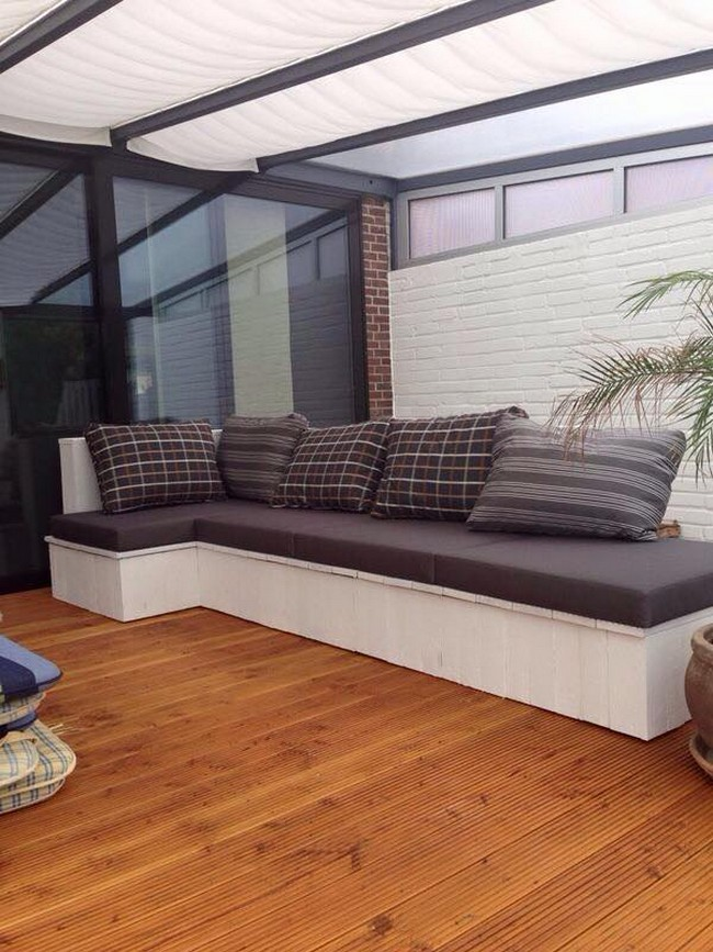 recycled pallet patio couch