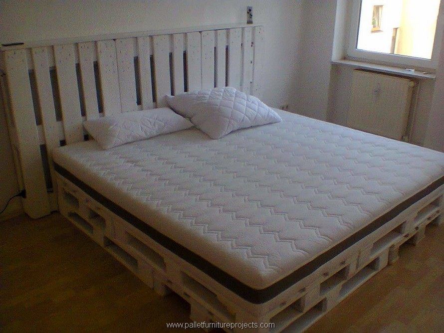 While The Back Or Headboard Was Also Made Suing Whole Shipping Pallets So This Really Handy To Deal With