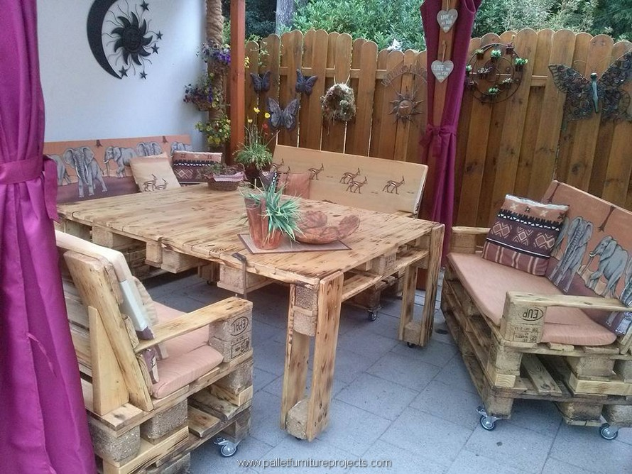 wooden pallet patio lounge