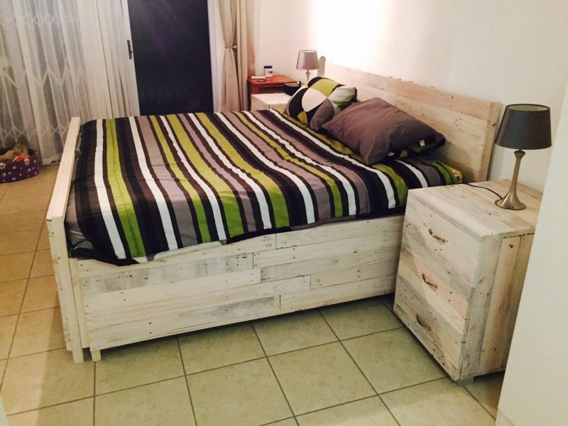 pallet bedroom furniture pallet bed with large site tables pallet furniture projects 12786