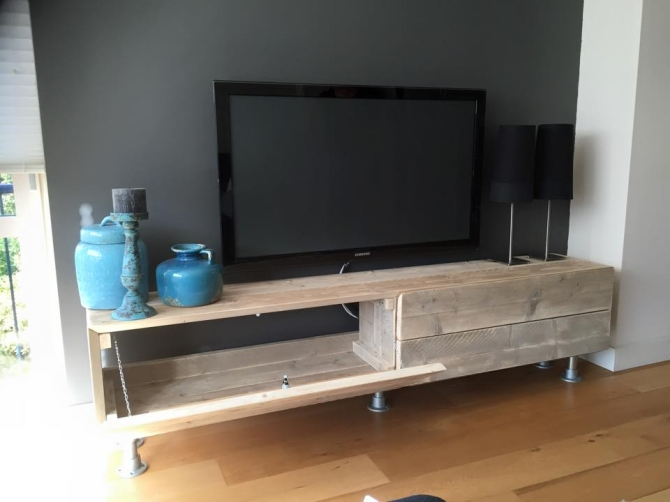 Pallet Made TV Stand | Pallet Furniture Projects