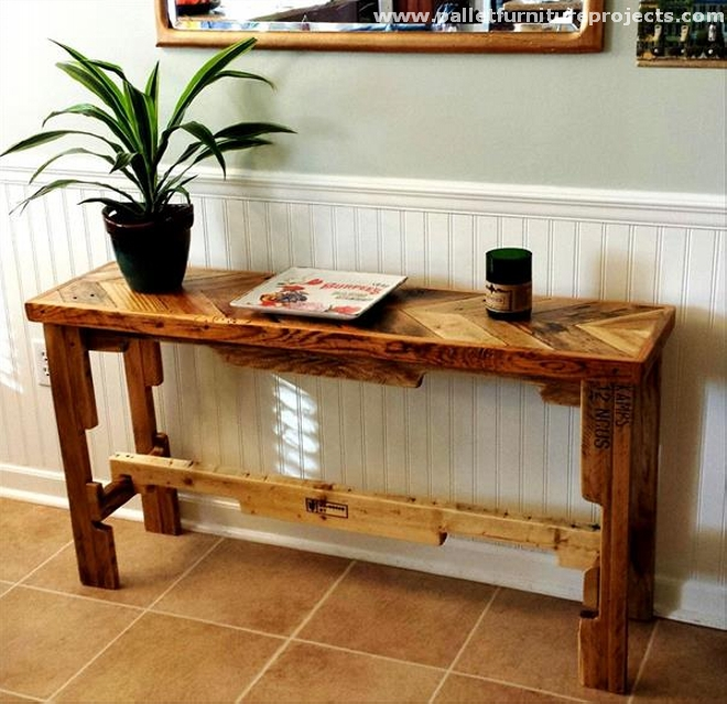 Pallet hallway table ideas pallet furniture projects for Hallway furniture ideas