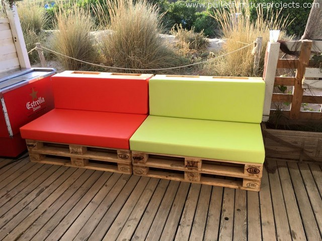 patio furniture with pallets