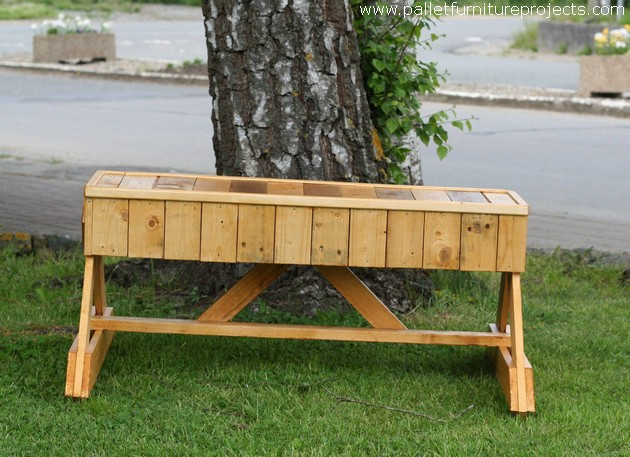 Incredible Recycled Wood Pallet Garden Bench Pallet Furniture Projects Machost Co Dining Chair Design Ideas Machostcouk