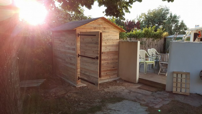 pallet patio cabin